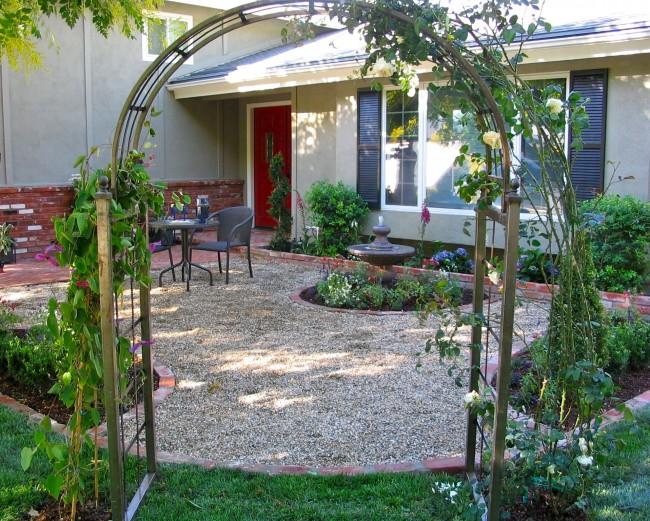English Tea Garden With Gravel Patio In Front Yard Eden