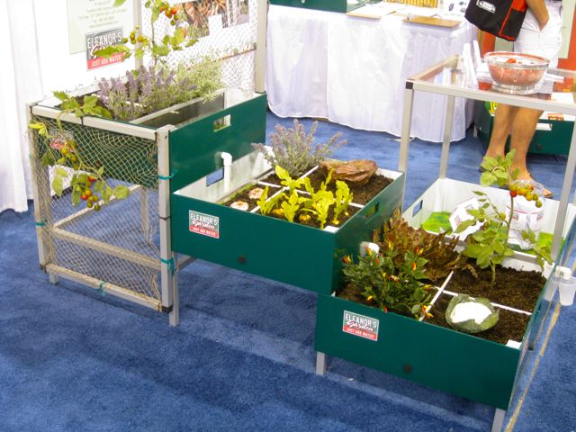 Portable Raised Garden Beds for the Urban Square Foot Gardener ...